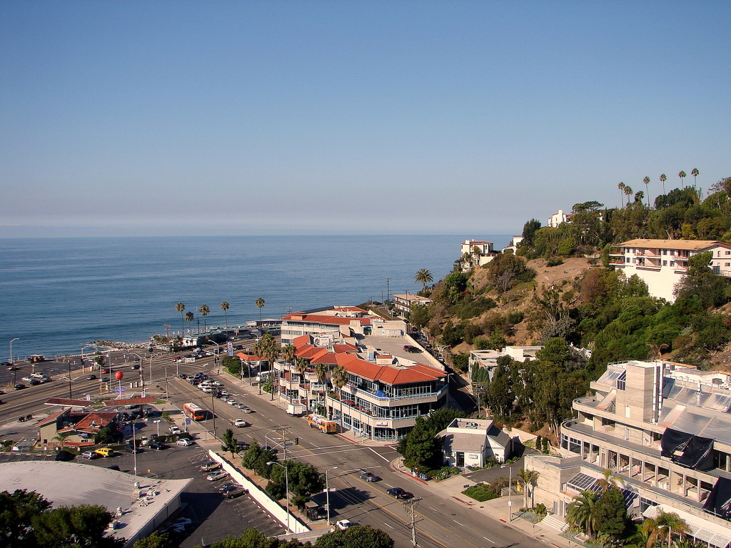 Roofing malibu pacific palisades santa monica venice for Where is pacific palisades